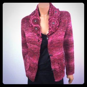Spendor! Cozy cardigan sweater pin red tones Sz M